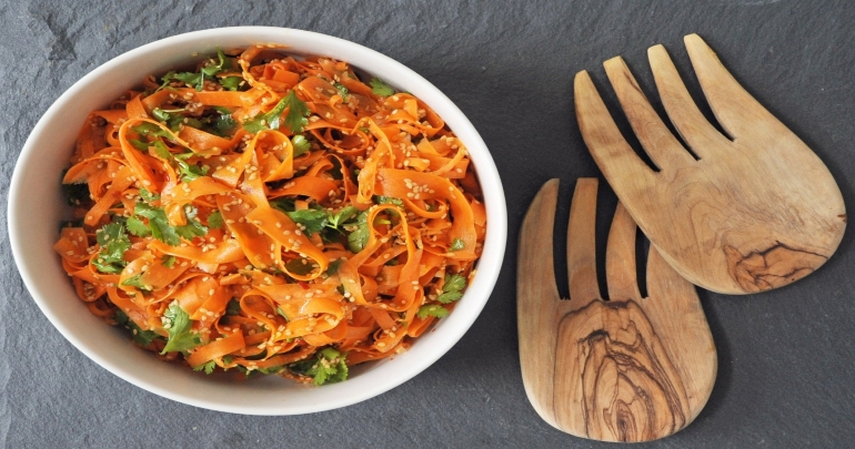 Salad with carrot stripes and cedar nuts!